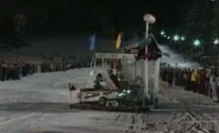"""Cursa Trăsniţilor - s-au """"dat"""" pe zăpadă cu vehicule ieşite din comun"""