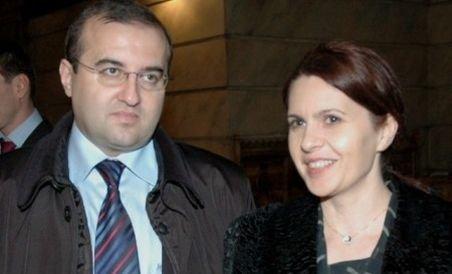 Foştii consilieri prezidenţiali Adriana şi Claudiu Săftoiu au divorţat