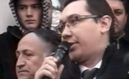 Ponta, în timpul pichetului din Piteşti: Să nu va fie frică de PDL şi Traian Băsescu