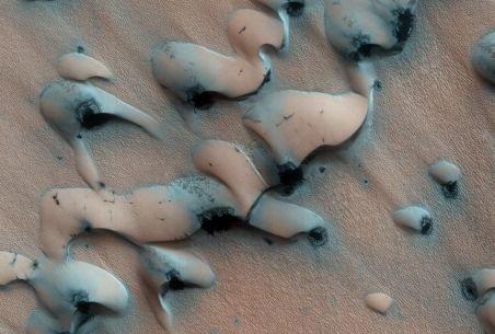 Studiu: Dunele de nisip de pe Marte se deplasează