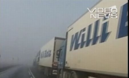 Haos în vama Nădlac: Sute de şoferi de TIR au blocat DN7 din cauza controlului prea amănunţit