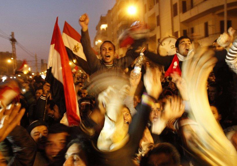 Hosni Mubarak a demisionat. Armata a preluat conducerea Egiptului