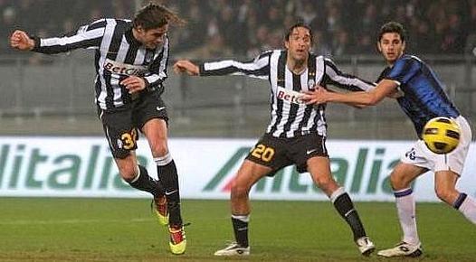 Serie A: Juventus câştigă Derby d'Italia. Eto'o, ratarea anului