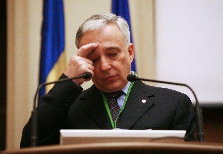 Isărescu: E nevoie stimularea muncii, stimularea muncii, stimularea muncii