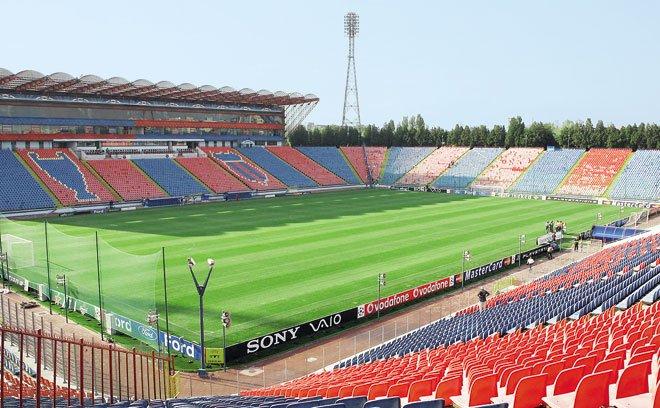 Steaua are din nou probleme cu stadionul. Gigi Becali ameninţă că pleacă din Ghencea