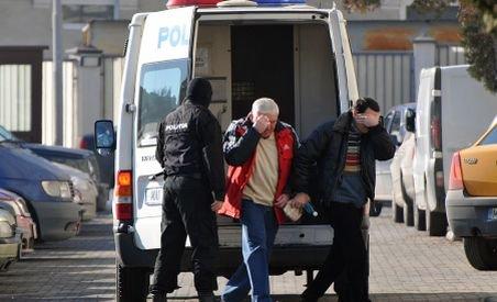 Vameşii de la Moraviţa se filmau în timp ce-şi numărau şpăgile