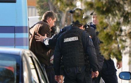 Consilier ANAF reţinut pentru luare de mită: A pretins şpagă de 1,8 milioane de euro