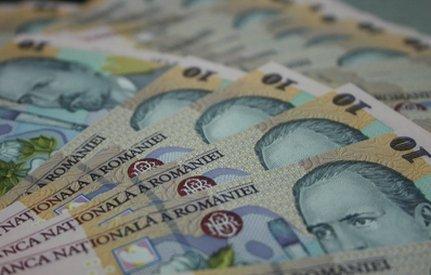 Jumătate din participanţii la pensiile private obligatorii au în cont doar 200 de lei