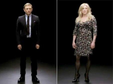 James Bond în rochie şi pantofi cu toc!