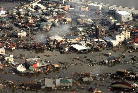 10.000 de dispăruţi şi peste 900 de morţi, după tsunami. Vezi bilanţul dramatic din Japonia