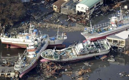 Valul apocaliptic, surprins de un cameraman amator: Noi imagini cu tsunami-ul care a devastat Japonia