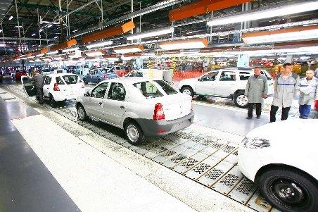 Vânzările maşinilor noi au crescut cu 20% în februarie, faţă de aceeaşi perioadă din 2010