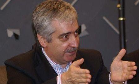 Opoziţia a câştigat majoritatea în Senat. Fostul senator PDL, Vasile Nistor, s-a înscris în PC