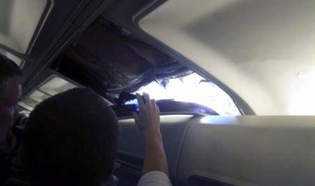 SUA. Aterizare forţată a unui avion cu 118 pasageri după descoperirea unei găuri de doi metri în fuselaj