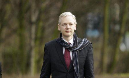 Jullian Assange, fondatorul WikiLeaks, a făcut show într-un club din capitala Islandei