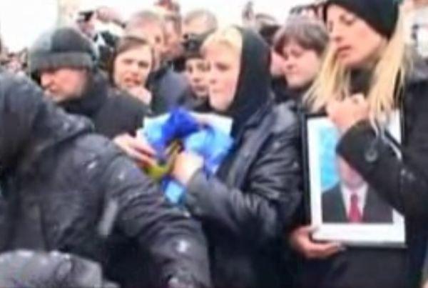 Filaret Moţco a fost înmormântat. Peste o mie de oameni l-au condus pe ultimul drum
