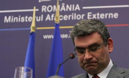 Baconschi: Românii nu ar trece pe la mormântul lui Eliade, dacă i-am aduce rămăşiţele în ţară