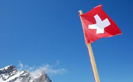 Restricţii cantitative pentru românii şi bulgarii care vor să emigreze în Elveţia