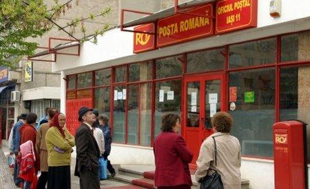 Angajaţii Poştei Române, puşi în funcţie de partidele de la guvernare