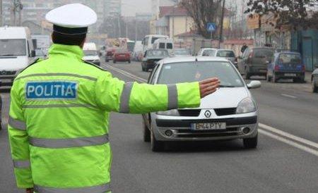 Poliţia a amendat peste 6.000 de şoferi în drum spre mare