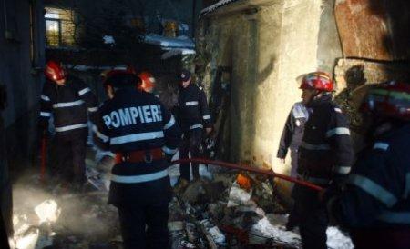 Un magazin din Argeş, distrus de flăcări. Pagube de 400.000 lei