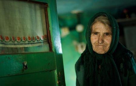 Cât de bine trăiesc românii în 2011, după un an de austeritate?