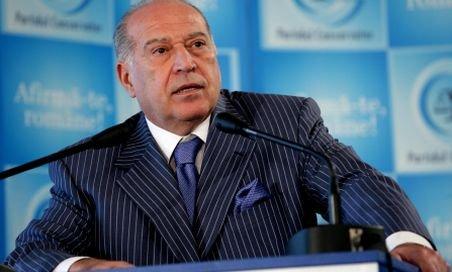 Dan Voiculescu: Băsescu vorbeşte ca şi cum ar face parte din clasa muncitoare