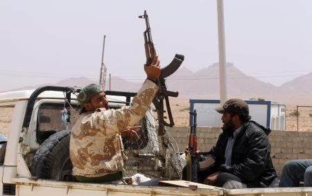 Bombardamentele continuă în Libia: Explozii lângă sediul televiziunii de stat