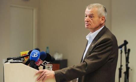 Oprescu: Au fost aprobate patru întrebări din şapte pentru referendumul de pe 26 iunie