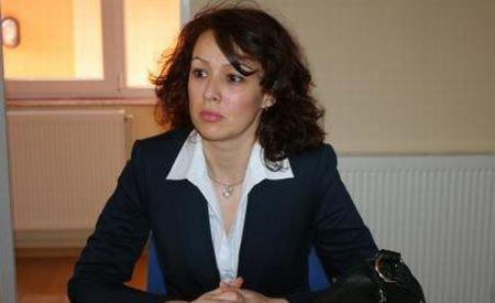 Soţia lui Mironescu: Nimic nu-l implică şi nu-l leagă pe soţul meu de activităţile din port şi din vamă