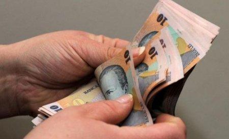 INS: 10% din salariaţii români îşi întreţin familia cu 600 lei lunar