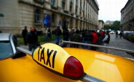 Un şofer de taxi s-a urcat băut la volan, a făcut accident şi pe urmă a dansat