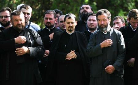 Un preot a murit curentat în duminica Rusaliilor