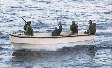 Cei doi români capturaţi de piraţi în vestul Africii au fost eliberaţi