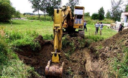 Un copil de nouă ani a murit strivit de un buldozer