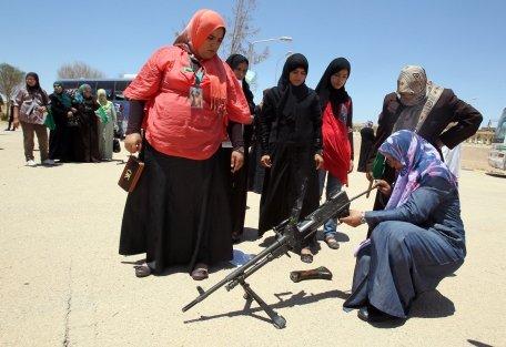 """Rusia acuză Franţa de """"încălcare gravă"""" a embargoului de arme impus Libiei"""