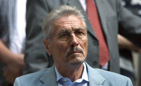Constantinescu: Şeful statului este total confuz. Deschide nişte discuţii din care România nu câştigă nimic