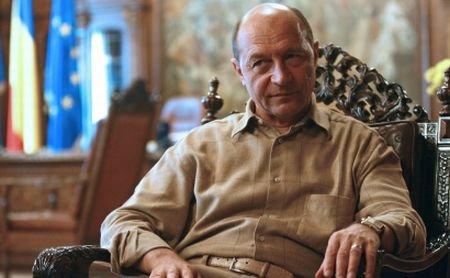 Bacalaureatul la politicieni: Băsescu a trecut examenul cu 7.40. Vanghelie şi Igaş au picat