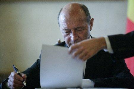 Băsescu a promulgat legea reabilitării faţadelor clădirilor. Patrimoniul va avea prioritate