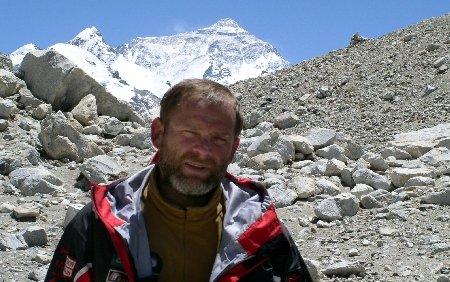 David Neacşu, alpinistul care a condus prima expediţie română pe Everest: Schimbările climatice sunt ireversibile
