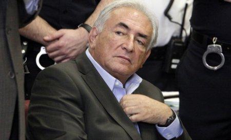 Acuzaţiile împotriva lui DSK ar putea fi retrase: Menajera făcea frecvent sex pe bani cu clienţii