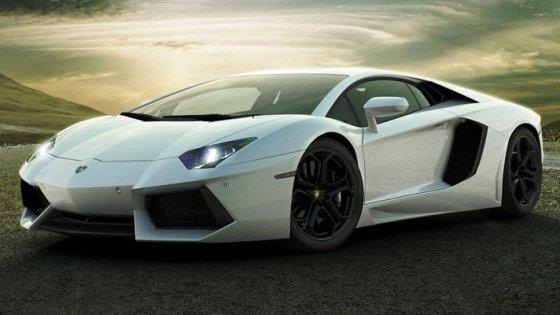 Cum ia naştere un Lamborghini Aventador