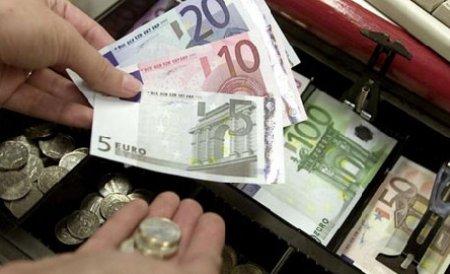 Leul continuă să se aprecieze faţă de euro şi de dolar. Vezi cursul BNR