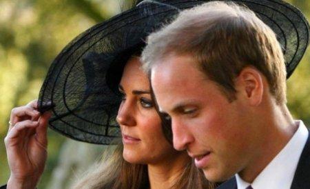 Prinţul William şi prinţesa Catherine s-au întrecut într-o cursă de bărci tradiţionale în Canada