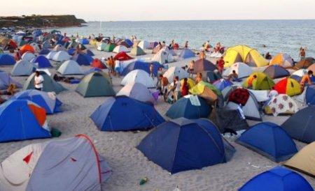 Aproape 80.000 de români s-au răcorit pe litoral, în week-end