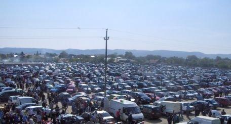 Razie de amploare în cel mai mare târg auto din Bucureşti