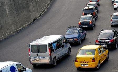 Traficul rutier de pe DN1, dinspre Braşov spre Valea Prahovei a fost deviat pe DN1A