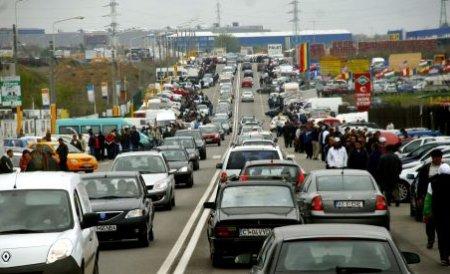 Autostrada Soarelui, blocată de peste 70.000 de turişti în weekend