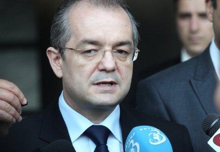 Emil Boc: România va avea în 2012 un deficit bugetar de 3%, prognoza de creştere economică va creşte la 3,5 - 4%