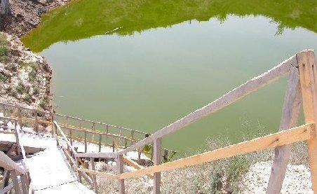 Apă de 70 de grade, în lacul Brâncoveanu din Ocna Sibiului